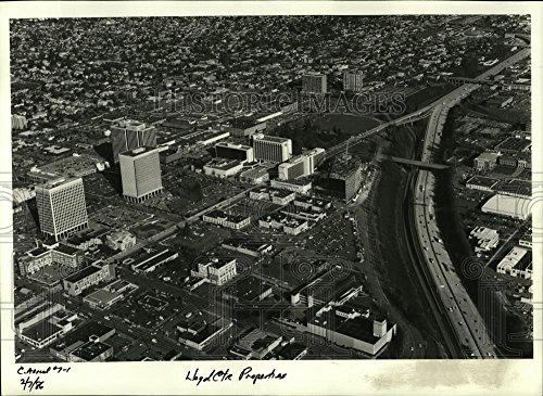 1986 Press Photo View of Lloyd center shopping mall in Oregon. - - Center Shopping Lloyd