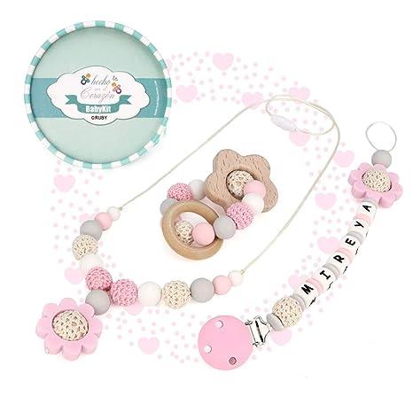 RUBY - Kit 3 piezas. Chupetero personalizado, collar lactancia y sonajero (Rosa)