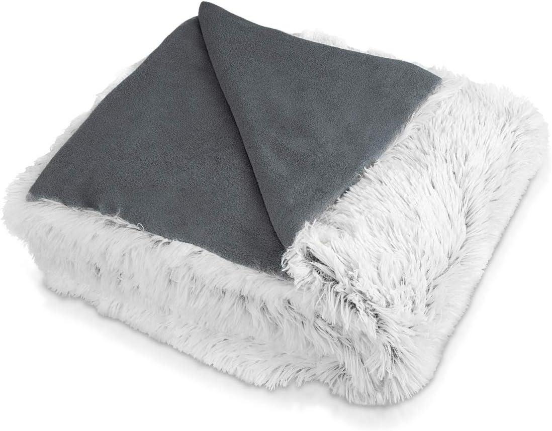 Navaris Manta de Pelo Grande 150 x 200CM - Manta Blanca y Gris para Cama sofá casa - Tela Suave - Reversible e Ideal para el Invierno