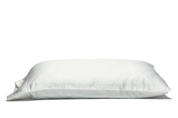The Savvy Sleepers Luxe Travel Size Pillowcase with Bonus Secret Pocket travel product recommended by Dale Janée CEO of Savvy Sleepers on Lifney.