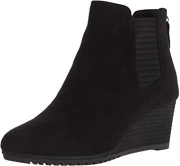 68496fc24f4d Dr. Scholl s Women s Critic Ankle Boot
