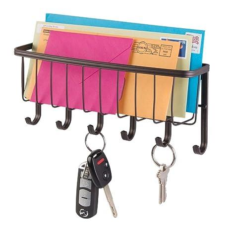 mDesign Organizador de cartas con cesta y llavero para recibidor o cocina – Compato guarda cartas con balda metálica y perchero – Práctico colgador de ...