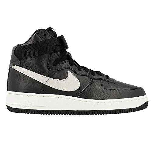 a5115632c90e2 Amazon.com: NIKE Air Force 1 Retro QS: Shoes