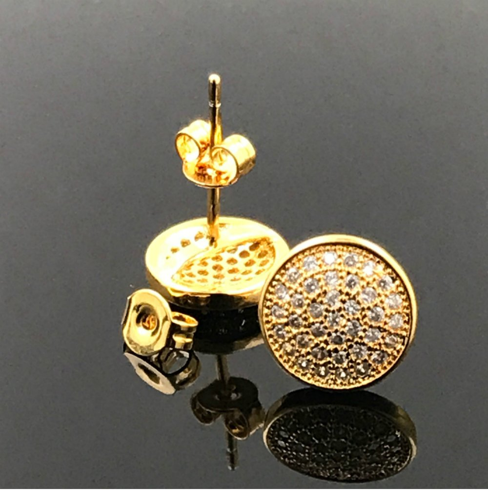 18k Gold Filled Earring With lab simulated Diamonds suitable for men/women comes with a warranty.