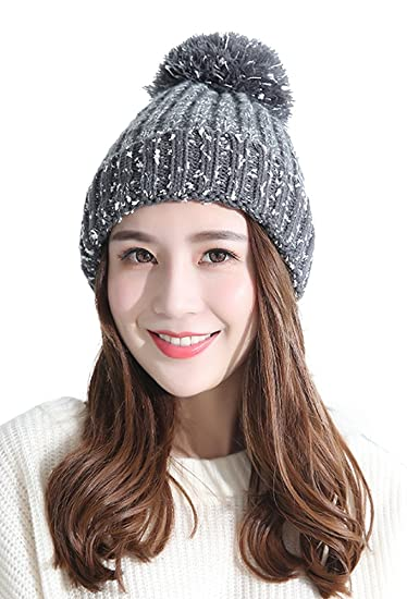 d0afc07351b Urban CoCo Women s Winter Knitted Warm Bilayer Beanie Hat with Faux Fur  Ball (Grey-