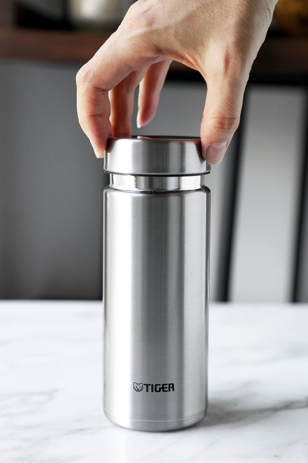Tiger Ultra Light Stainless Steel Bottle by Tiger Corporation (Image #3)