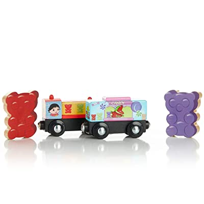 KIDS PREFERRED Ryan's World Gus Gummy Yummy Express Engine & Caboose: Toys & Games