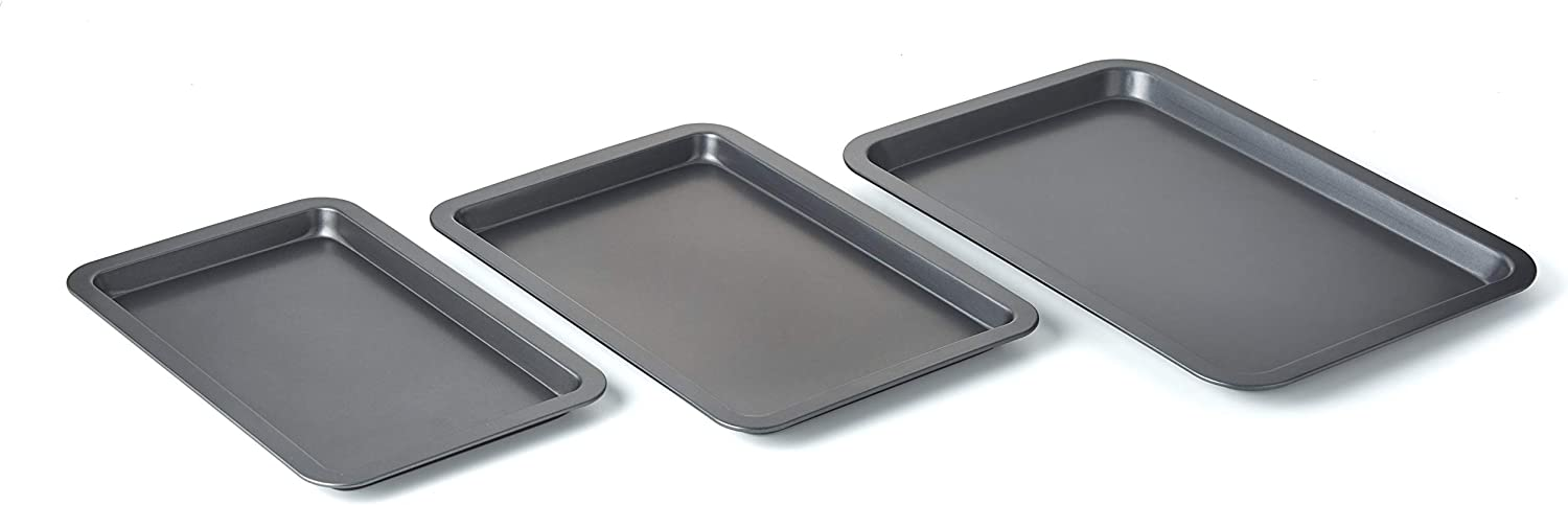 Betty CrockerSet of 3 Non-Stick Cookie and Baking Sheets - Includes Large, Medium, and Small Cookie Sheet. Non-stick Coated Steel and Dishwasher Safe: Kitchen & Dining