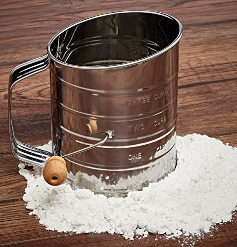 Kitchen Mess: Natizo Stainless Steel 3-Cup Flour Sifter