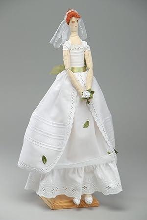 Muneca artesanal de tela con vestido de boda hermosa decorativa
