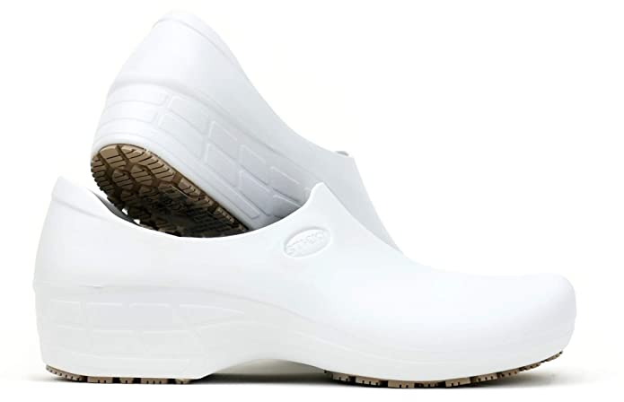 Comfortable Work Shoes for Nursing Women