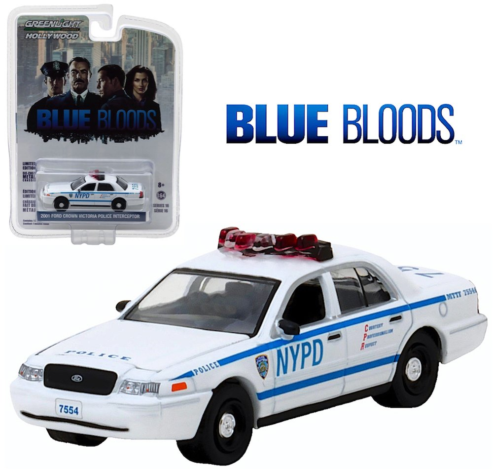 Amazon com greenlight hollywood limited edition blue bloods 2001 ford crown victoria police interceptor toys games