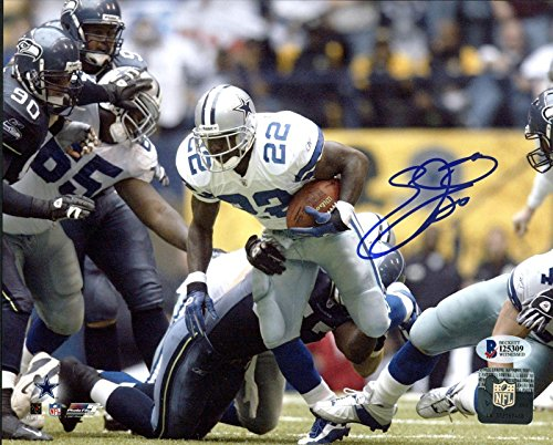 Emmitt Smith Signed Picture - 8X10 Record Breaking Run BAS Witnessed - Beckett Authentication - Autographed NFL Photos