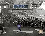 Baltimore Ravens Ray Lewis Revs Up The Crowd and the Team. 8x10 Photo Picture