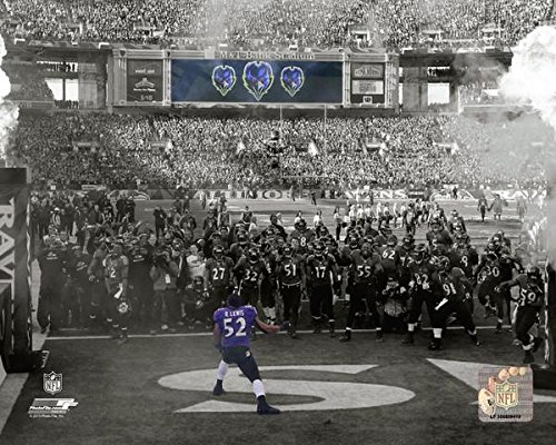 Lewis Gallery - Baltimore Ravens Ray Lewis Revs Up The Crowd and the Team. 8x10 Photo Picture