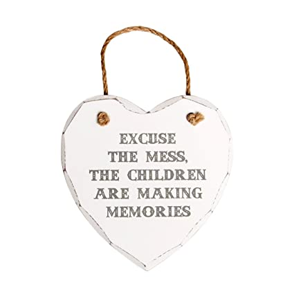 Disculpa el desorden, los niños están haciendo recuerdos blanco placa de madera en forma de