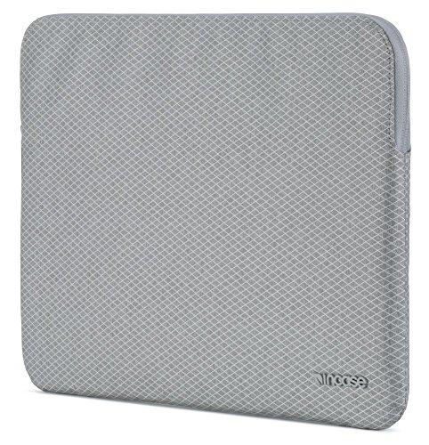 (Incase Slim Sleeve with Diamond Ripstop for iPad Pro 10.5