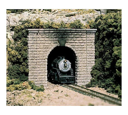 HO Single Tunnel Portal, Cut Stone