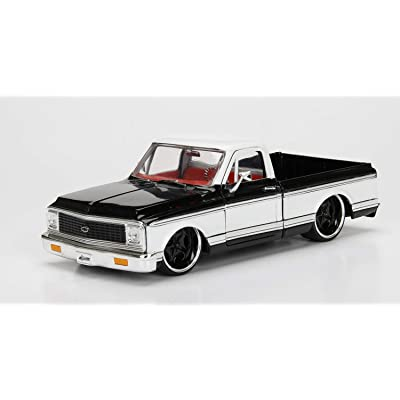 Jada 1:24 - Metals - Just Trucks - 1972 Chevrolet Cheyenne (Black/White): Toys & Games
