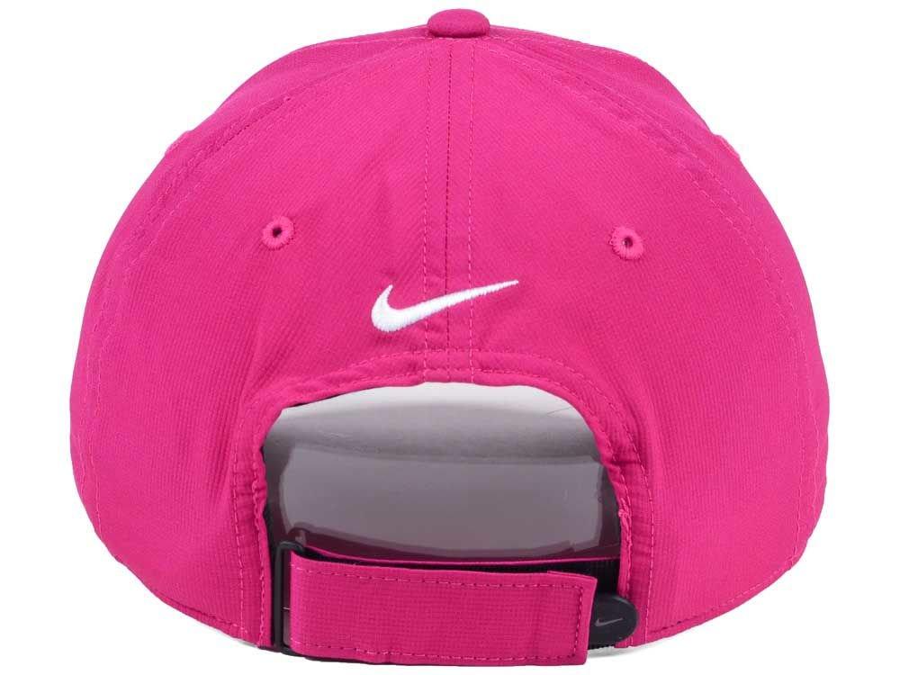d348671626f90 Amazon.com  NIKE Men`s Legacy 91 Custom Tech Golf Hat (Max Orange (727043-607) Black