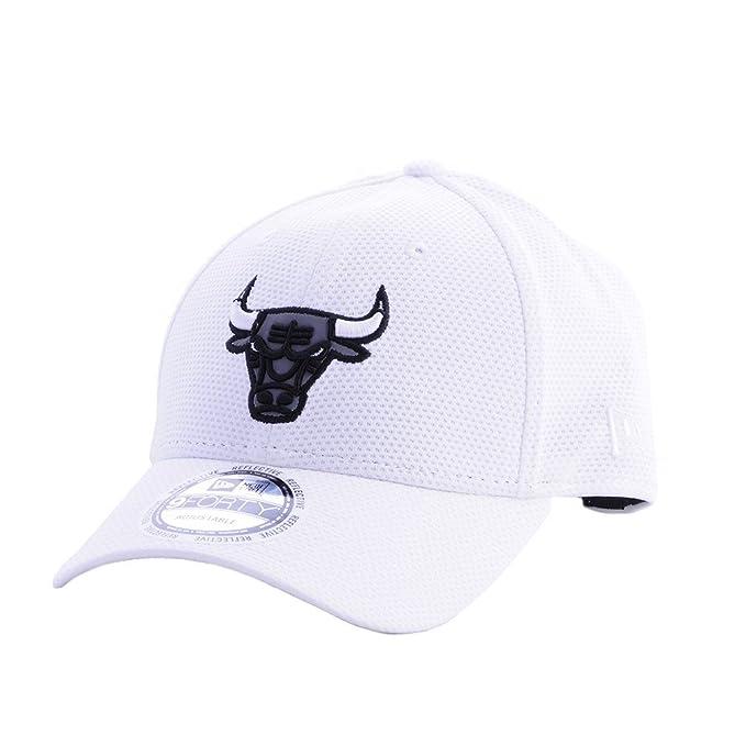 Gorra New Era - 9Forty Nba Chicago Bulls Reflective blanco talla  Ajustable   Amazon.es  Ropa y accesorios 55267e5120b