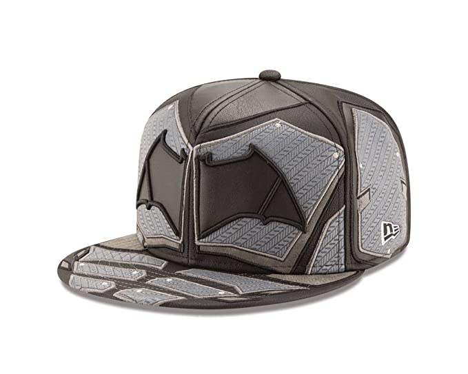 9f321cea04e Amazon.com  New Era Batman Justice League Armor 59Fifty Fitted Hat ...