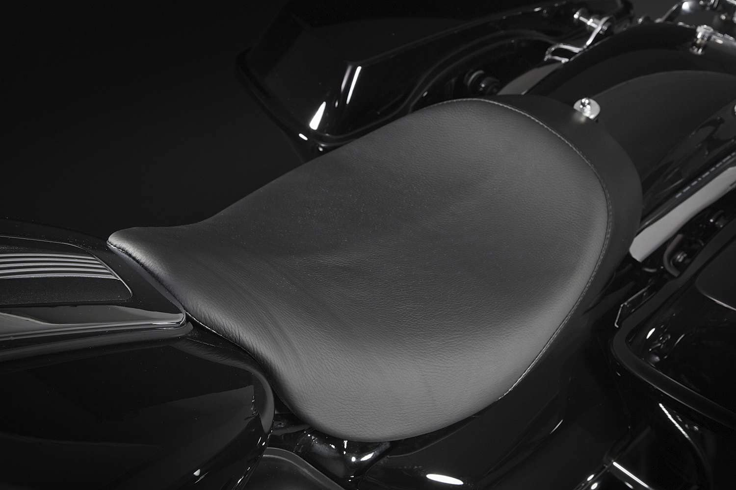 Danny Gray Buttcrack Solo Seat 20-403 Plain Smooth