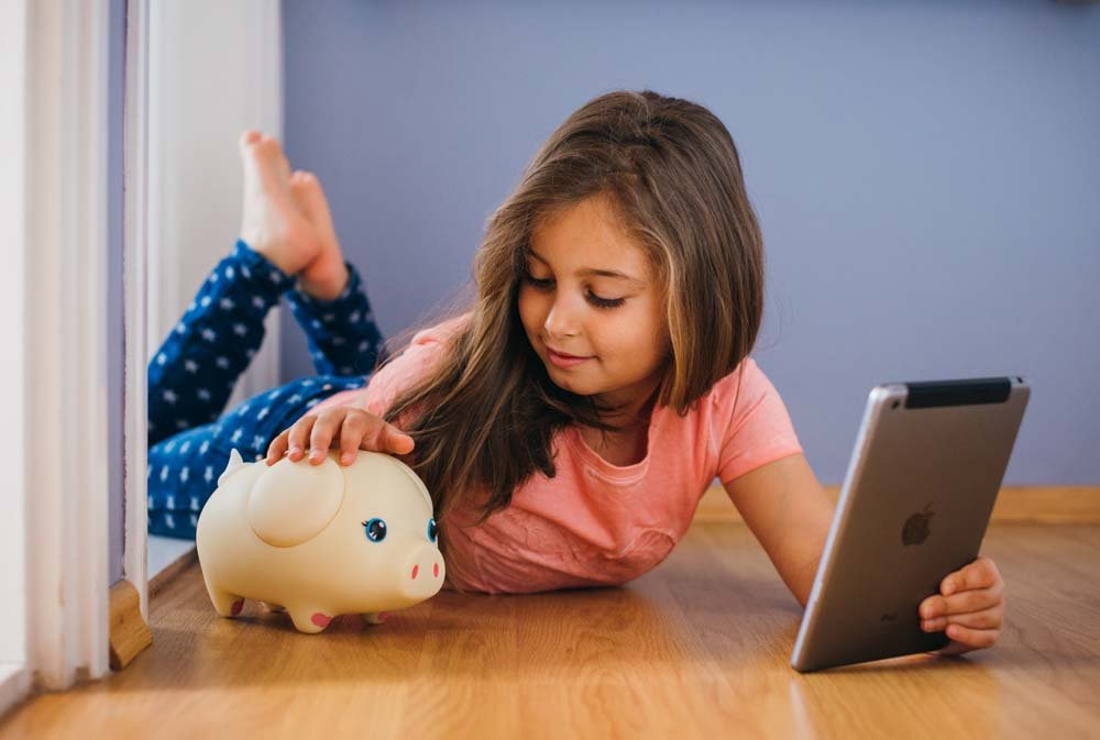 Wiggy Piggy Bank (Spotty): Smart Speaking Piggy Bank and Task Tracker by Wiggy (Image #4)