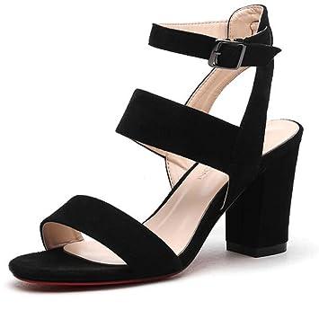 Sandalias para un vestido negro