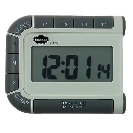 El temporizador digital, reloj y cronómetro con cuatro canales. Cuatro temporizadores en una unidad