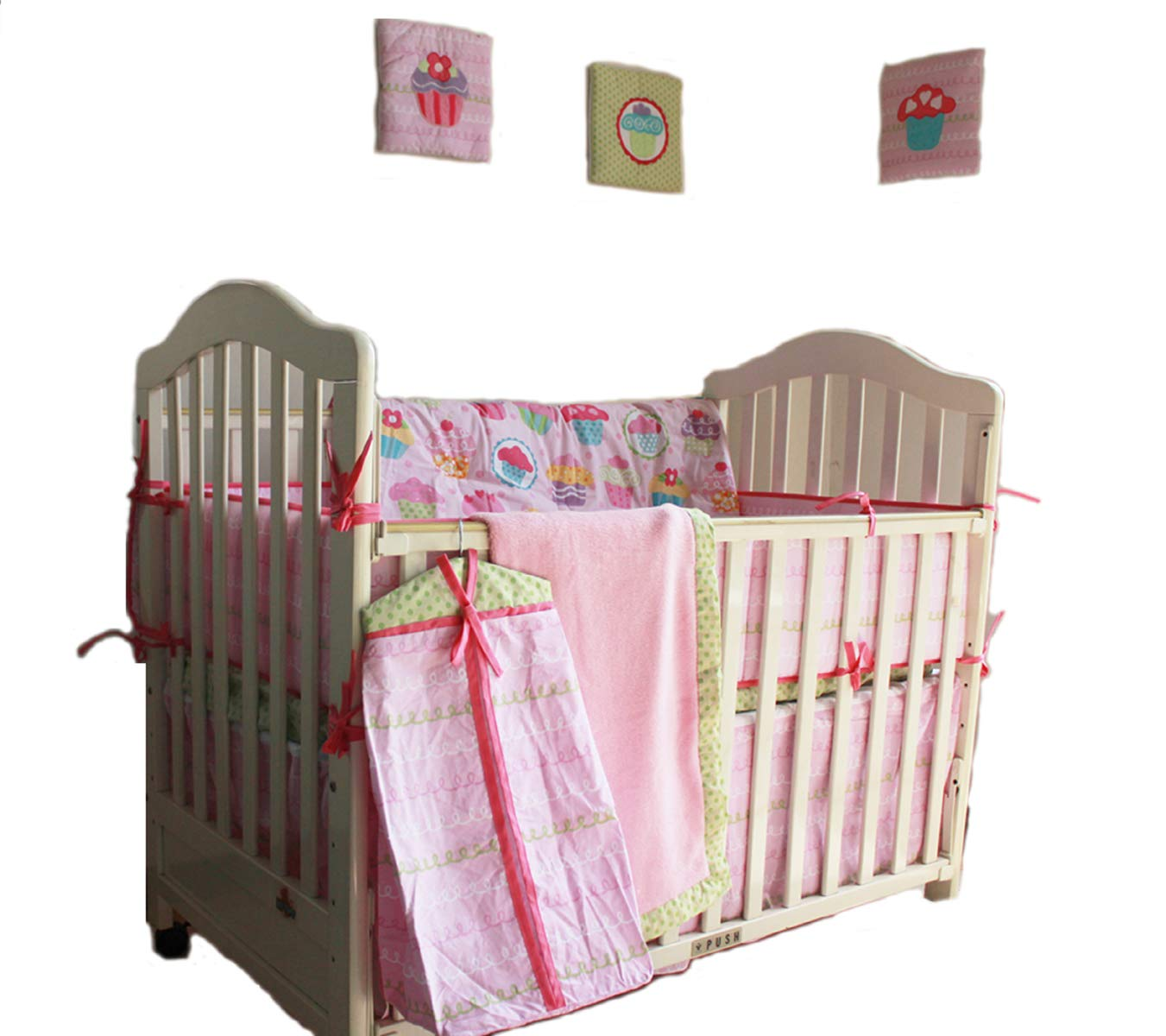 100% Cotton Nursery Crib Bedding Satz Pink Cup Cake/Cupcake Baby Bedding Satz 12 Pcs Baby Girl Satz Comforter+Bumpers+Skirt+Blanket+ 3 Wall Hangings +2 Fitted Sheet +1 Diaper Bag Baby Girl Gift Idea
