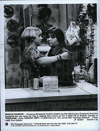 "1991 Press Photo ""Roseanne"" starring Lecy Goranson & Roseanne Barr"