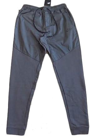 900dbe21fb9e1 Nike Mens Air Max 2 Woven Jogger Sweatpants at Amazon Men's Clothing ...