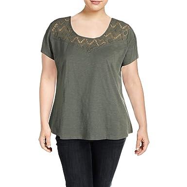 5b94abf2305 Amazon.com  Kuhl Womens Plus Lively Lace Inset Short Sleeve T-Shirt Green  2X  Clothing