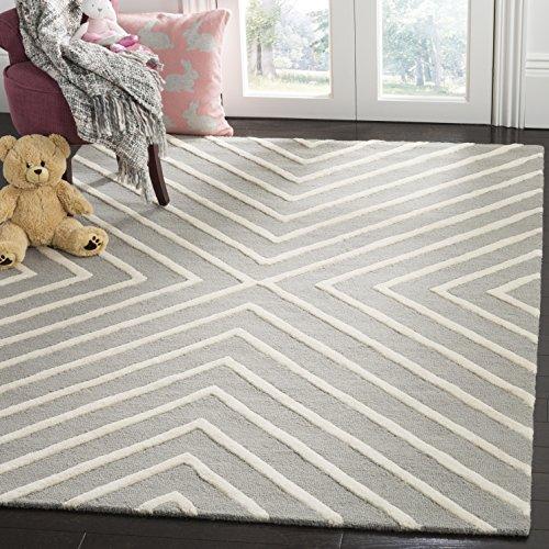 - Safavieh Kids Collection SFK920C Handmade Grey and Ivory X-Pattern Wool Area Rug (5' x 7')