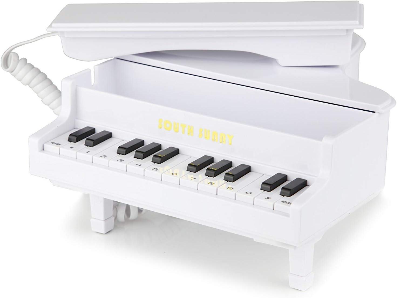 Das Telefon im Piano Design in wei/ß