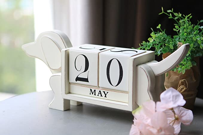 Dog Shaped Wood Blocks Desk Calendar