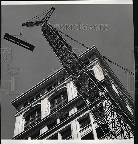 Vintage Photos 1963 Press Photo Old National Bank Building Operation Lift Of Air Conditioning