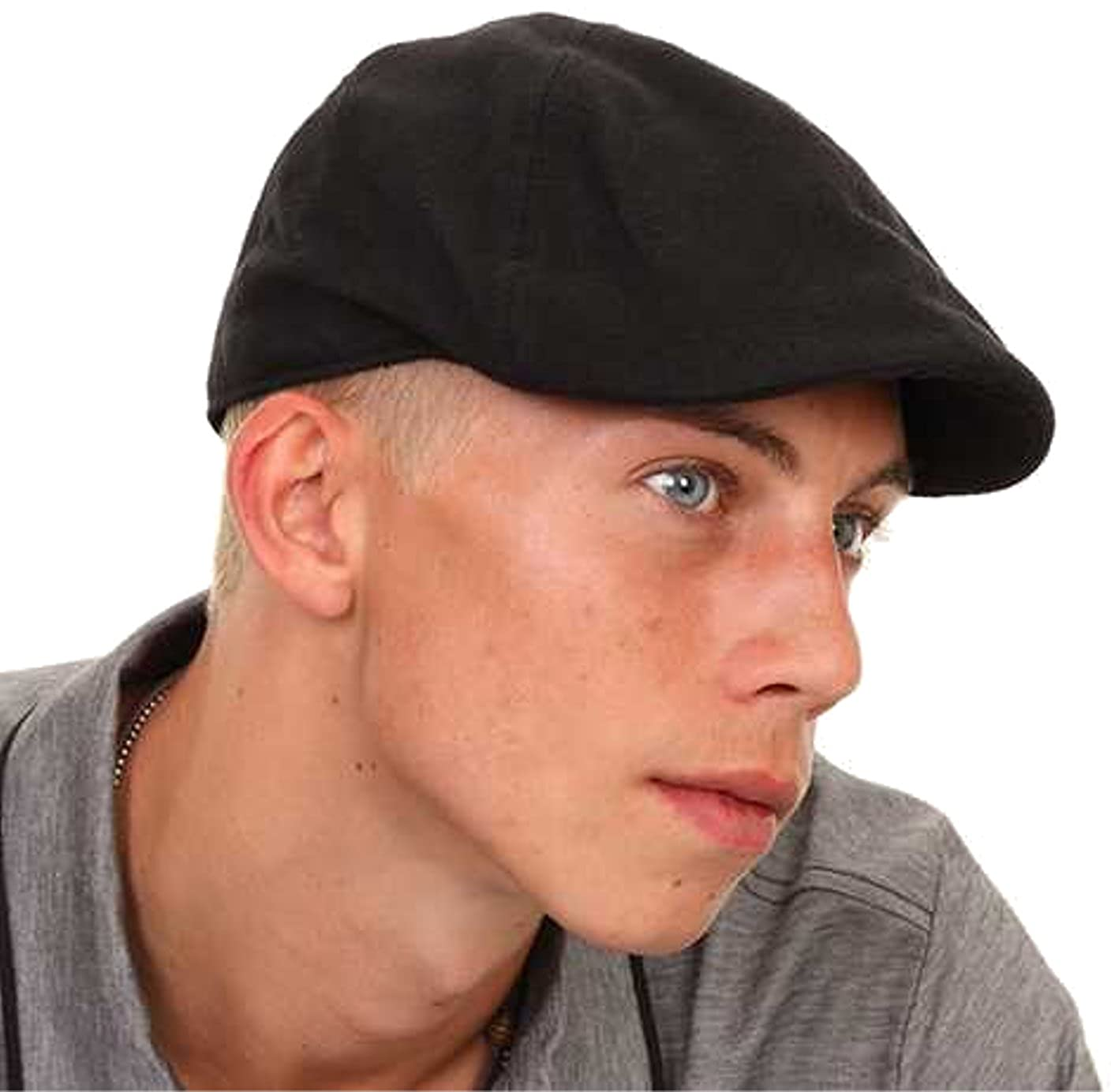 MENS BOYS BLACK FLAT CAP WITH PREFORMED PEAK  Amazon.co.uk  Shoes   Bags 422f0b9f225