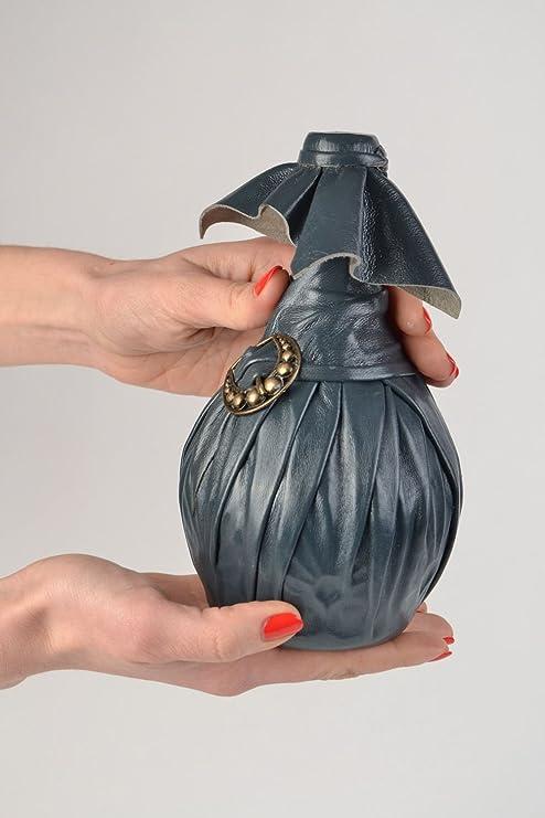 Botella decorativa forrada en cuero con hebilla hecha a mano: Amazon.es: Hogar