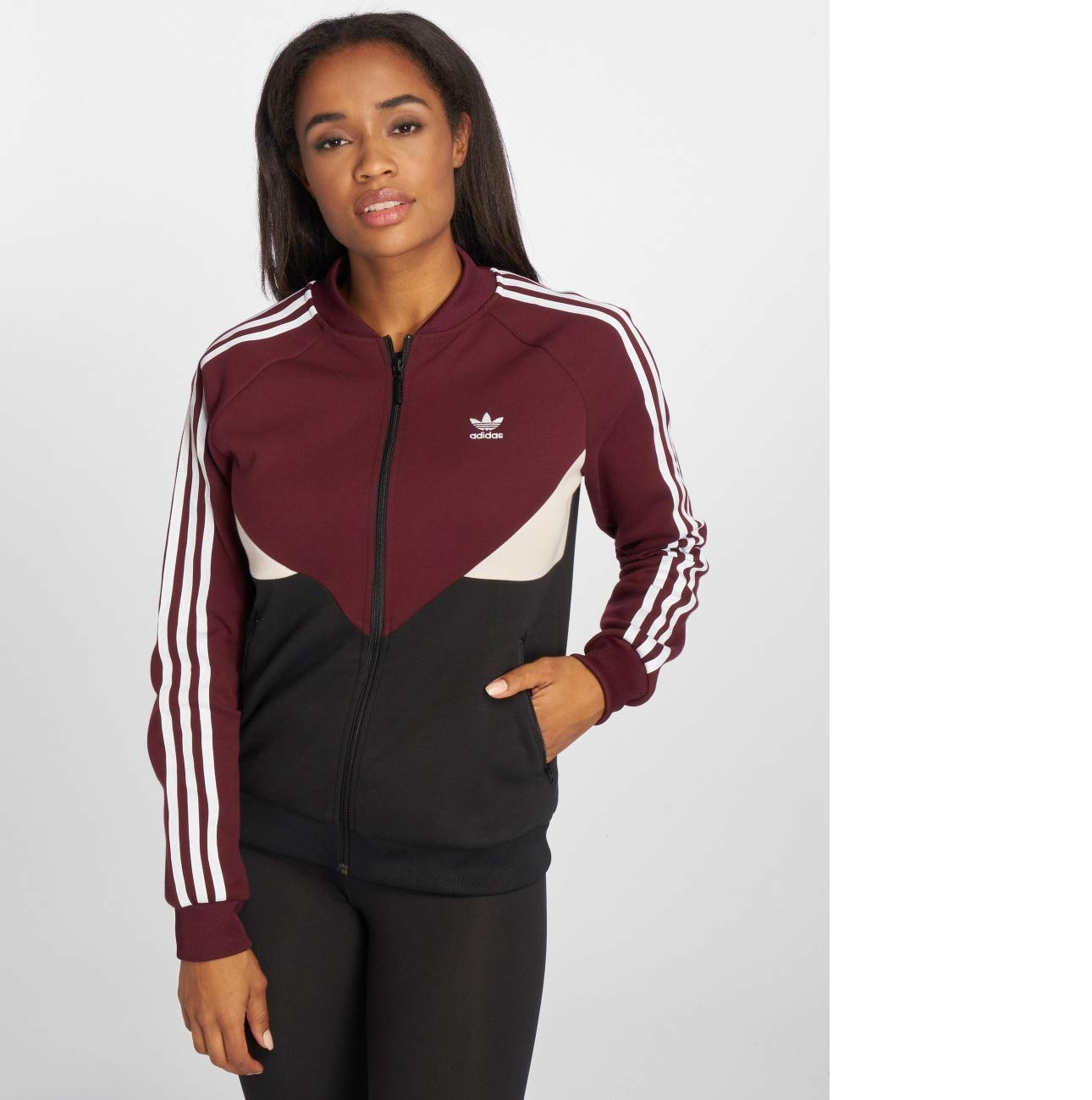 6fa43e8cd9ca Adidas CLRDO Superstar Jacke Damen 34 - XS S  Amazon.de  Sport   Freizeit