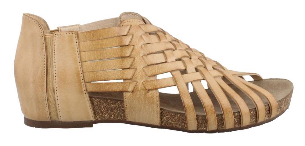 Chocolat Blu Women's Vivienne Sandal (8, Camel)