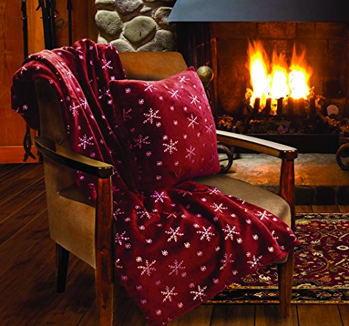 (Lady Sandra Home Fashions Snowflake Holiday Throw Blanket and Pillow)
