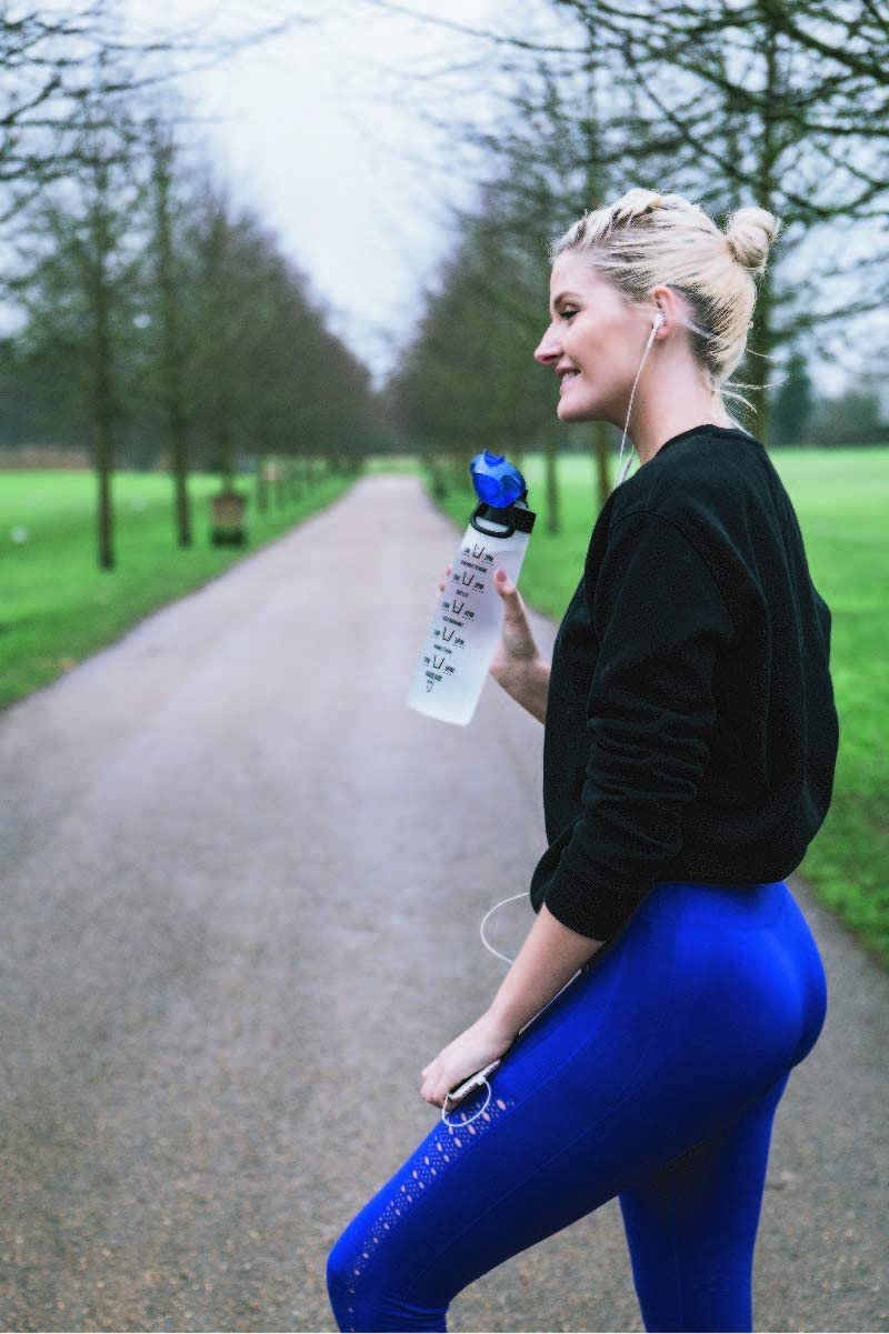 HYDRATEM8 BPA Free Frosted Leak Proof Drinks Bottles 900ml Active Motivational Sports Water Bottle with Time Markings