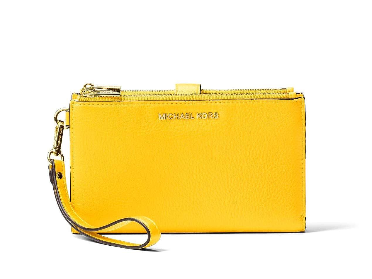 5e6b794c0b59 MICHAEL Michael Kors Adele Leather Smartphone Wristlet: Handbags: Amazon.com