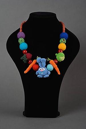e4c3b84f420c Collar tejido a crochet bisuteria artesanal regalo original para ninos y  madres  Amazon.es  Hogar