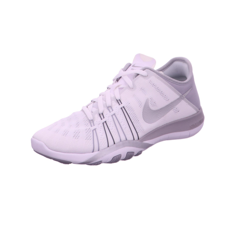 ab6acb9e302ff Nike Free TR 6 White Wolf Grey Metallic Silver Women s Cross Training Shoes   Amazon.in  Shoes   Handbags