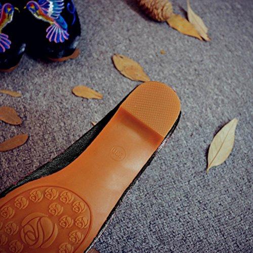 Chuangli Vrouwen Borduurwerk Slik Loafers Puntschoen Slippers Backless Slip Op Platte Muilezel Slippers Wijnrood