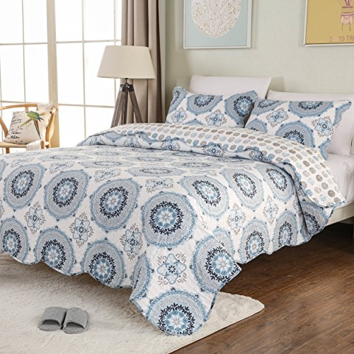 Mohap Quilt Set 3 Piece Queen Size Lightweight Bedspread 1 Quilt and 2 Matching Shams for Summer Bohemian Style Blue and White Geometric Pattern (And Quilt White Blue)