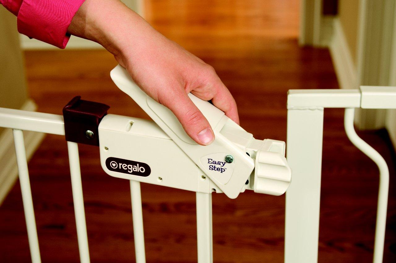 amazoncom regalo extra widespan walk through safety gate white indoor safety gates baby